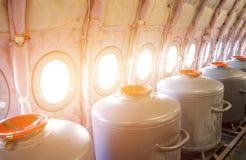 Танки с водой на иллюминаторах, для контрольных учебных полетов в прототипах воздушных судн Стоковое Фото