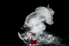 Танк вапоризатора с облаком пара Стоковая Фотография