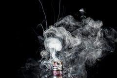 Танк вапоризатора с облаком дыма Стоковое Фото