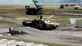 Танк T-90S видеоматериал