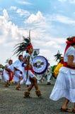 Танцевать ацтеков стоковые изображения