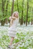 Танцевать весной лес Стоковые Фото