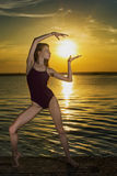 Танцевать с солнцем Стоковая Фотография RF