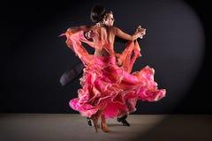 Танцоры латиноамериканца в бальном зале Стоковое Изображение