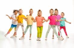 Танцоры детей школы танцев, балета, hiphop, улицы, в стиле фанк и современных стоковое изображение rf