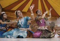 Танцоры Индии стоковая фотография