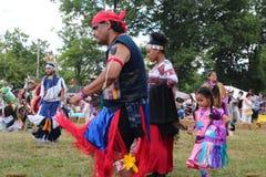 Танцоры коренного американца на плен-вау Стоковые Изображения