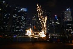 Танцоры огня стоковая фотография rf