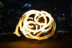 Танцоры огня стоковые фотографии rf