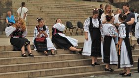 Танцоры отпускников ждут представления Стоковые Фото