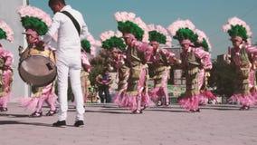 Танцоры традиционного мексиканского matachin религиозные сток-видео
