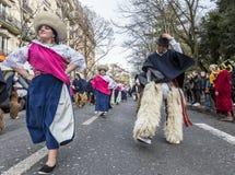 Танцоры улицы эквадорские - Carnaval de Париж 2018 стоковые фото