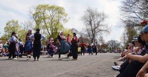 Танцоры фестиваля времени тюльпана Стоковые Изображения