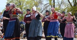 Танцоры фестиваля времени тюльпана Стоковое Фото