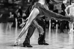 Танцоры человек и женщина стоковое изображение rf