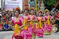 танцоры balinese стоковые изображения