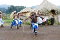 Танцоры Intore стоковые фото