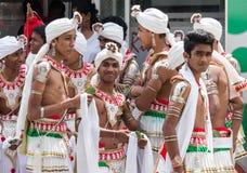 танцоры perahara стоковое фото