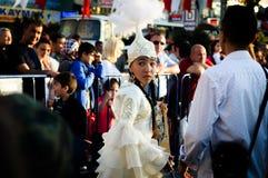 Танцор казаха фольклорный на день ` s национального суверенитета и детей - Турция Стоковое фото RF