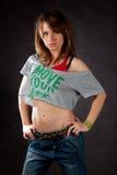 Танцор молодой женщины представляя на темной предпосылке Стоковое Изображение RF
