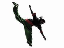 Танцор пролома тазобедренного хмеля циркаческий breakdancing молодой человек скача si Стоковые Фотографии RF