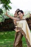 Танцор тайской женщины классический стоковые фотографии rf
