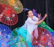 Танцор традиционного китайския Стоковое Фото