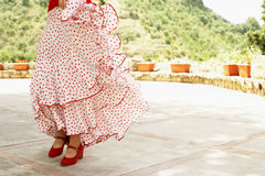 Танцор фламенко танцуя Outdoors Стоковая Фотография RF