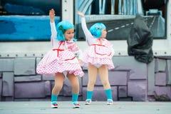 танцуя вектор иллюстрации декоративных девушок конструкции графический Стоковые Изображения RF