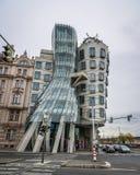 Танцуя дом в Праге, чехе стоковое фото