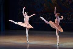 Танцы балерины артиста балета во время балета Corsar Стоковое Изображение