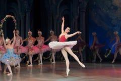 Танцы балерины артиста балета во время балета Corsar Стоковые Фото