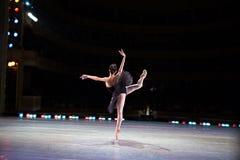 Танцы балерины Prima Стоковое фото RF