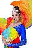 Танцы девушки с вентилятором радуги Стоковое Фото
