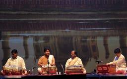 Танцы Индии Стоковые Фотографии RF