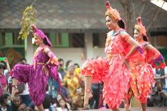 Танцы крана традиционные южные тайские Стоковые Изображения RF