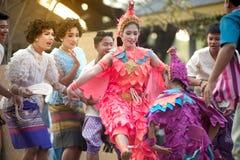 Танцы крана традиционные южные тайские Стоковое Фото