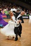 Танцы пар танца бального зала на конкуренции Стоковая Фотография