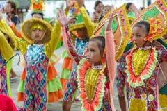 Танцы ребенка в фестивале 2017 Calauan Pinya Стоковое Изображение RF