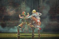 Танцы Таиланда культуры искусства рассказа Ramayana маски Kumbhakarna внутри Стоковые Фотографии RF