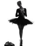 Танцы танцора балета балерины молодой женщины Стоковые Изображения