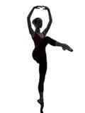 Танцы танцора балета балерины молодой женщины Стоковое фото RF