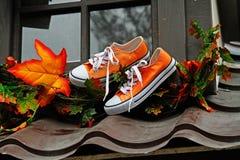 Тапки и листья как украшение осени для ` осени Москвы ` фестиваля улицы Стоковые Изображения RF
