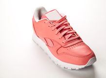 Тапки спорт кожаные свободный тип классицистическо Способ Розовый стоковые фото