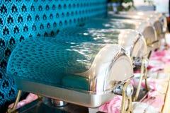 тарелки шведского стола cheffing Стоковые Фотографии RF