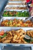 тарелки шведского стола цветастые Стоковые Фото