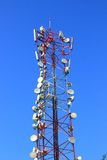 Тарелки радиосвязи на опоре Стоковое Фото