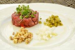 Татарский - сырцовое блюдо говядины Стоковые Фото
