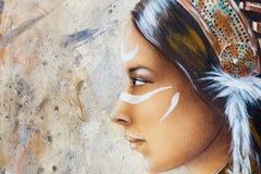 Татуировка стороны и белизны женщины, картина airbrush на бумаге, портрете профиля Стоковые Изображения RF