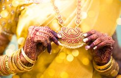 Татуировка хны, индийская невеста Стоковые Фотографии RF
